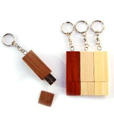 USB en bois avec porte-clefs